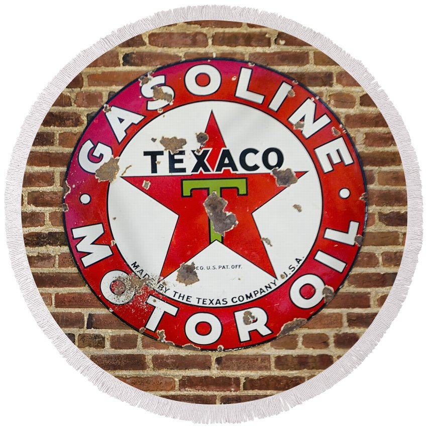 Vintage Round Beach Towel featuring the photograph Vintage Texaco Gasoline Sign Dsc07195 by Greg Kluempers