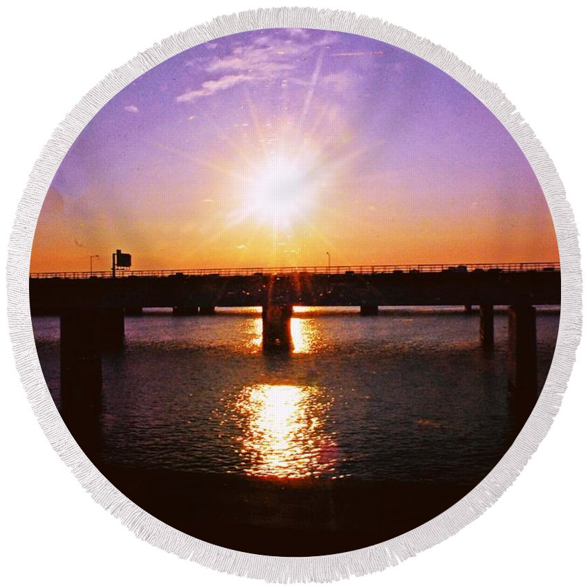 Sunset Round Beach Towel featuring the photograph Virginia Sunset by Gary Wonning