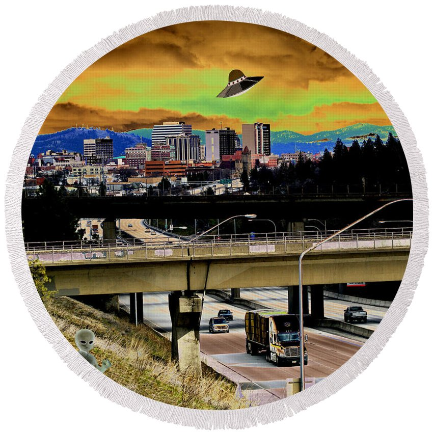 Aliens Round Beach Towel featuring the photograph Visiting Spokane by Ben Upham III