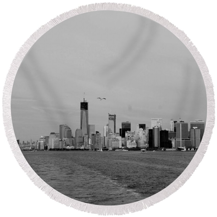 Harbor Round Beach Towel featuring the photograph Wake In The Harbor In Black And White by Rob Hans