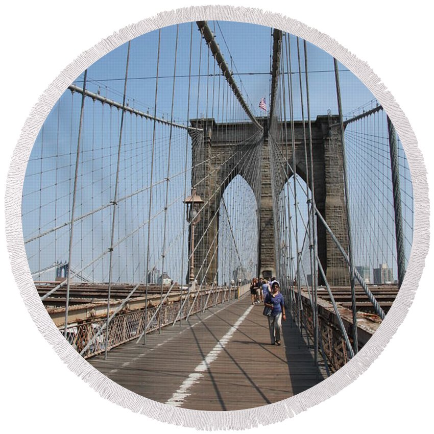 Brooklyn Bridge Round Beach Towel featuring the photograph Walking The Bridge by Christiane Schulze Art And Photography