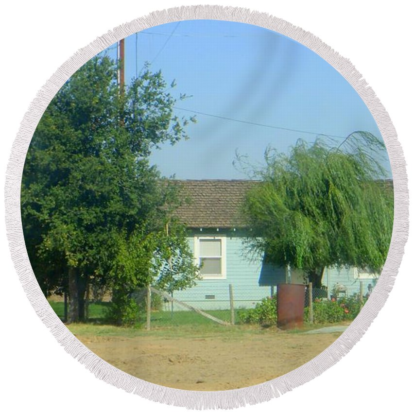 Walnut Grove Round Beach Towel featuring the photograph Walnut Grove - Typical Rural Farm House by Mary Deal