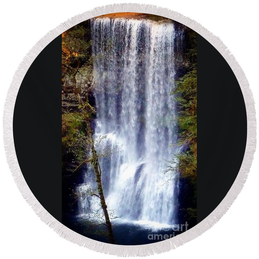 South Waterfall Round Beach Towel featuring the photograph Waterfall South by Susan Garren