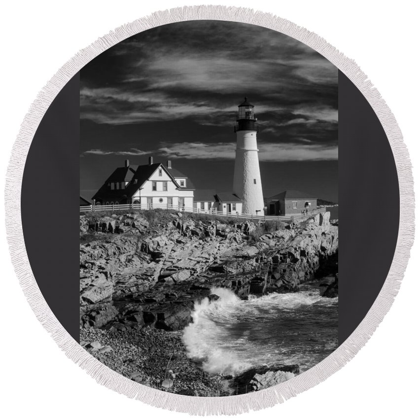 Atlantic Ocean Round Beach Towel featuring the photograph Waves Crashing by Guy Whiteley