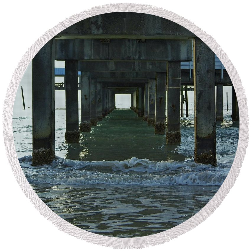 Pier Round Beach Towel featuring the photograph Waves Under The Clearwater Pier 60 by D Hackett