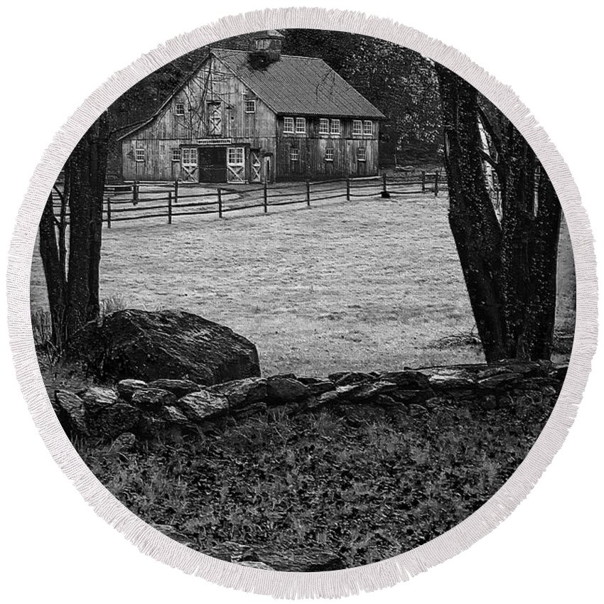 Black And White Round Beach Towel featuring the photograph Weston Barn by Priscilla Burgers
