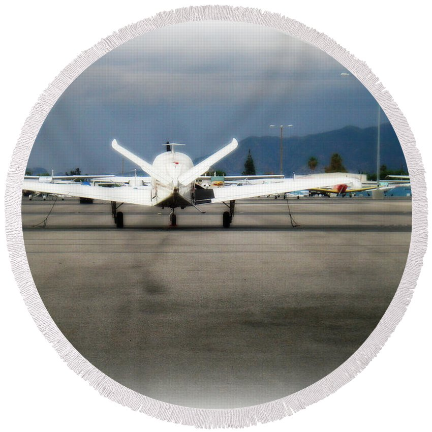Aviation Round Beach Towel featuring the photograph What fly girl is dreaming about by De La Rosa Concert Photography