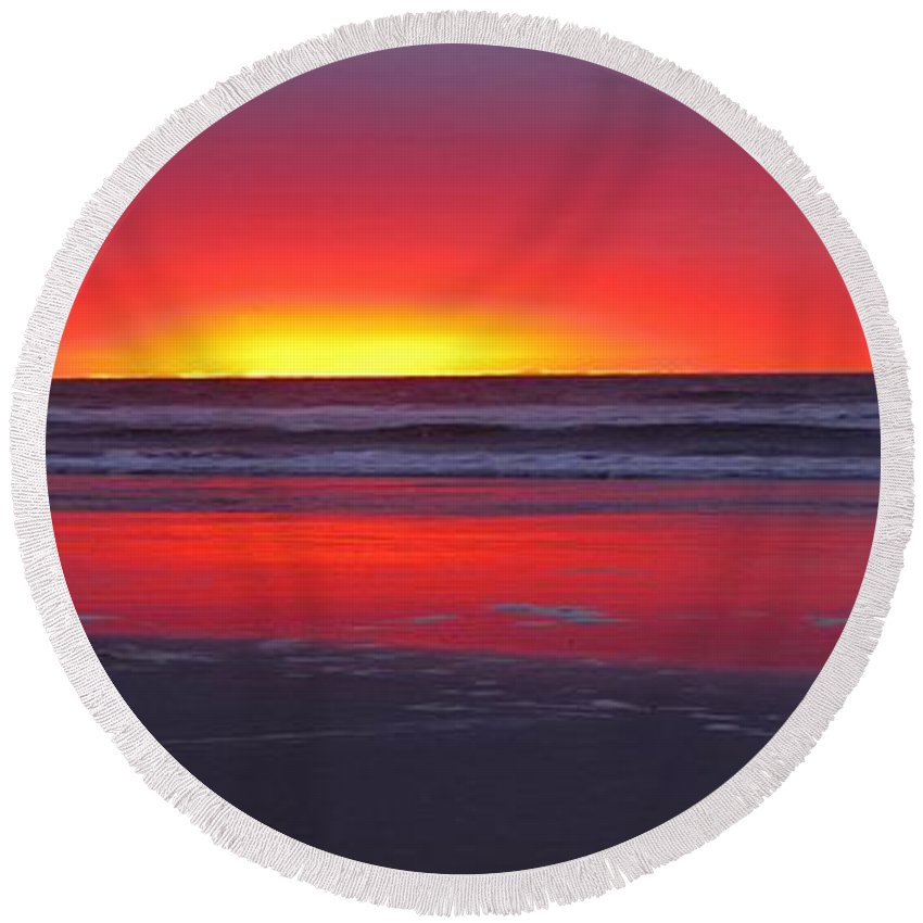 Wildwood Round Beach Towel featuring the photograph Wildwood Sunrise Dreaming by David Dehner