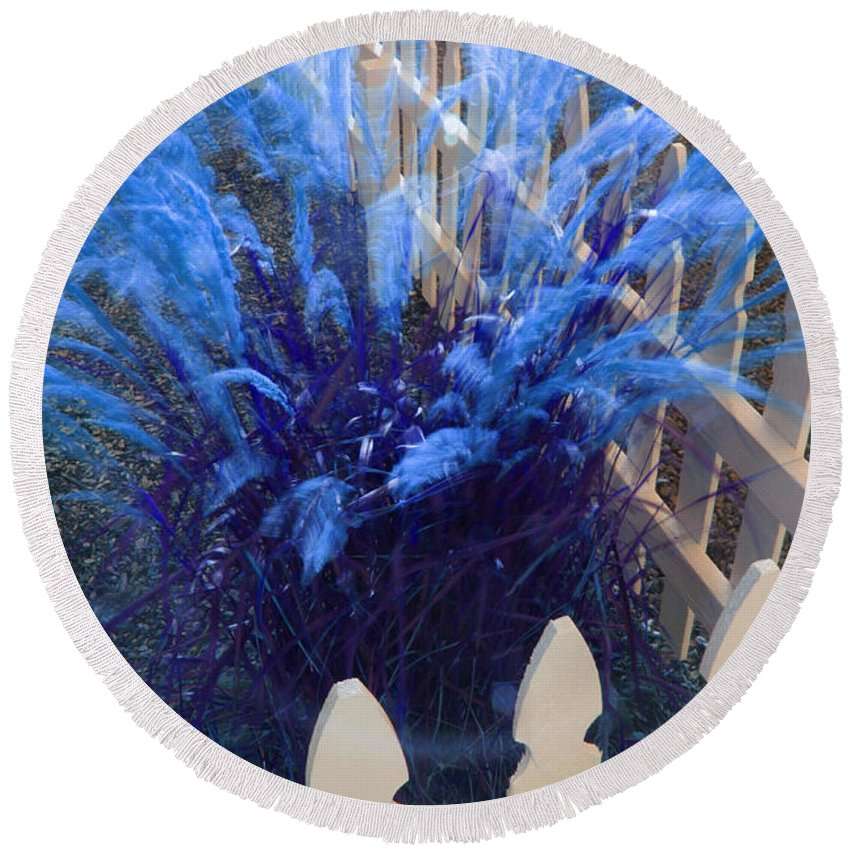 Slow Shutter Round Beach Towel featuring the photograph Wind In The Grass - Blue by Mick Anderson