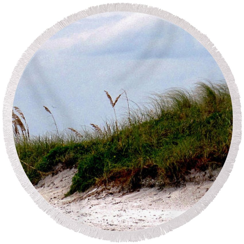 Beach Round Beach Towel featuring the photograph Wind In The Seagrass by Ian MacDonald