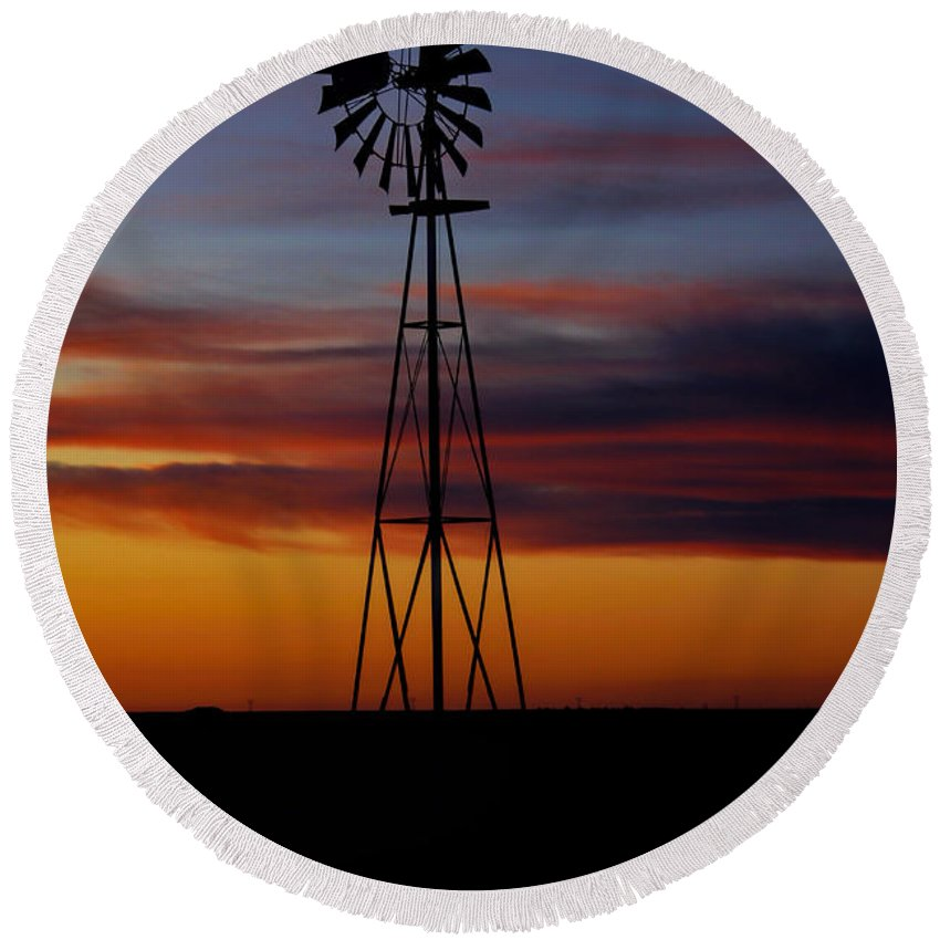 Kansas Round Beach Towel featuring the photograph Windmill At Sunset by Alan Hutchins