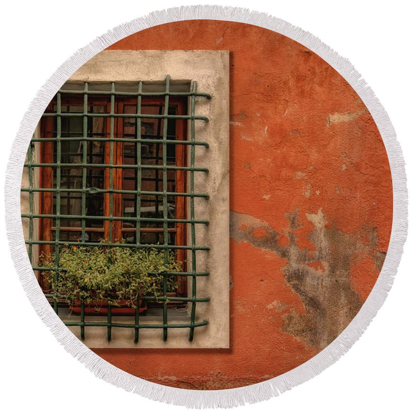 Window Round Beach Towel featuring the photograph Window Of Vernazza Italy Dsc02633 by Greg Kluempers