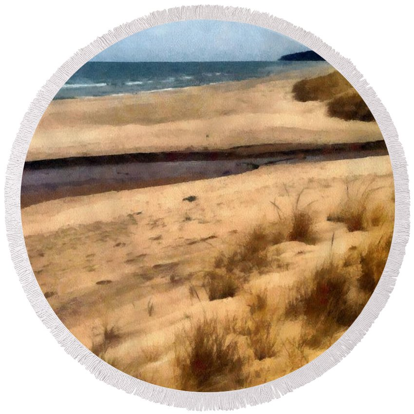 Lake Michigan Round Beach Towel featuring the photograph Winter Beach At Pier Cove Ll by Michelle Calkins