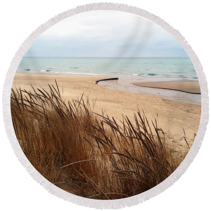 Lake Michigan Round Beach Towel featuring the photograph Winter Beach At Pier Cove by Michelle Calkins
