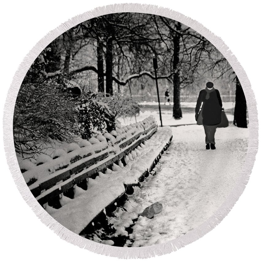 Winter Round Beach Towel featuring the photograph Winter In Central Park by Madeline Ellis