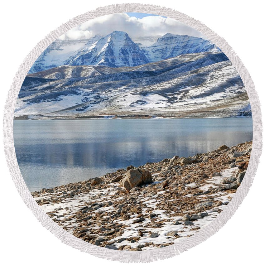 Mount Timpanogos Round Beach Towel featuring the photograph Winter Mt. Timpanogos And Deer Creek Reservoir by Gary Whitton