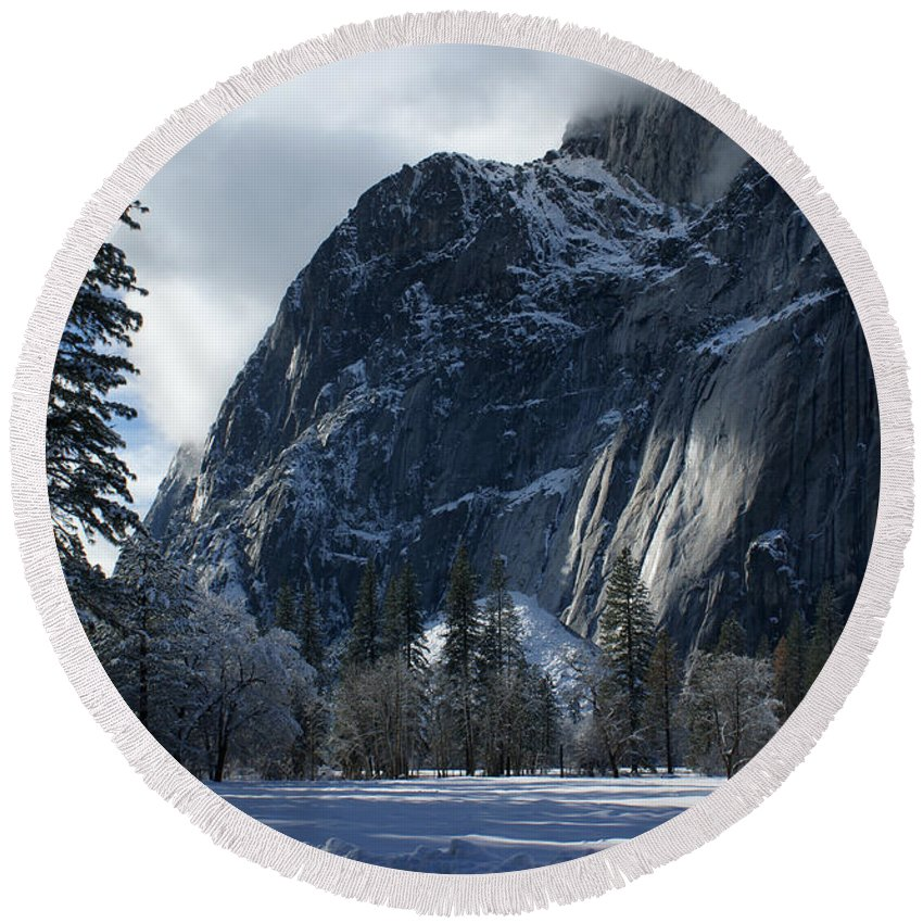 Yosemite Round Beach Towel featuring the photograph Winter On The Valley Floor by Christine Jepsen
