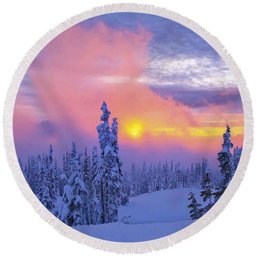 Winter Round Beach Towel featuring the photograph Winter Sunset by Ingrid Smith-Johnsen
