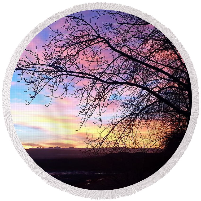 Sunset Round Beach Towel featuring the photograph Winter Sunset by Krista Siddall