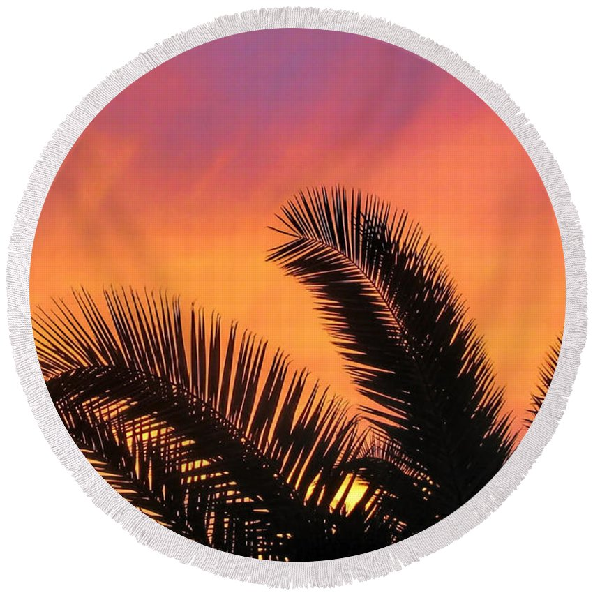Palm Tree Round Beach Towel featuring the photograph Winter Sunset by Tammy Espino