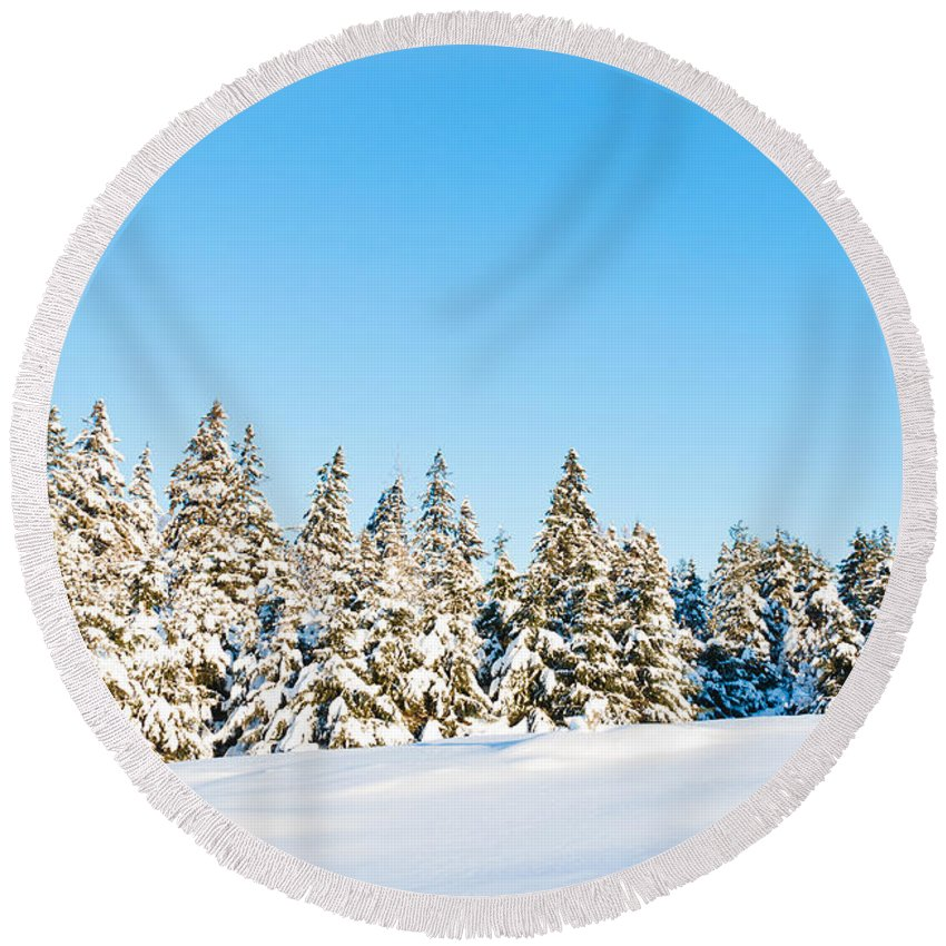 Landscapes Round Beach Towel featuring the photograph Winter Wonderland by Cheryl Baxter