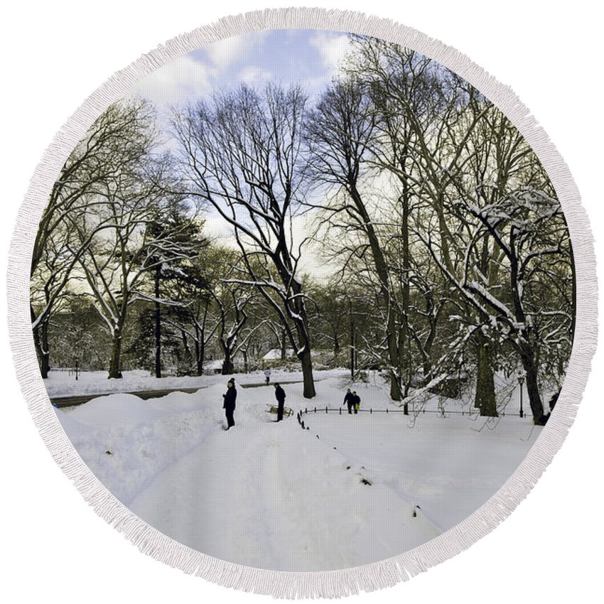 Winter Round Beach Towel featuring the photograph Winter Wonderland In Central Park - New York by Madeline Ellis
