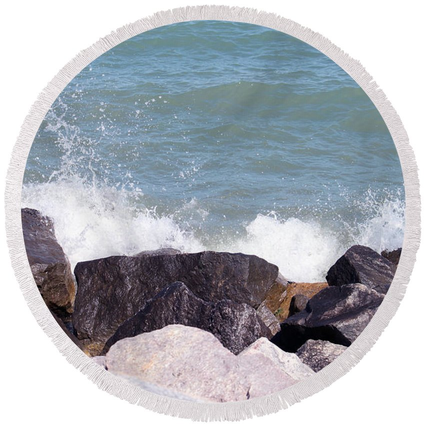 Winthrop Harbor Round Beach Towel featuring the photograph Winthrop Splash by Debbie Hart