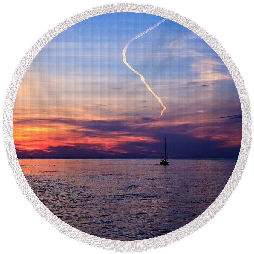 Water Round Beach Towel featuring the photograph Writing In The Sky by Jim Koniar