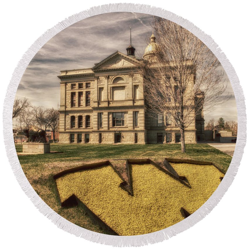 Wyoming Round Beach Towel featuring the photograph Wyoming Capitol Building by Erika Weber
