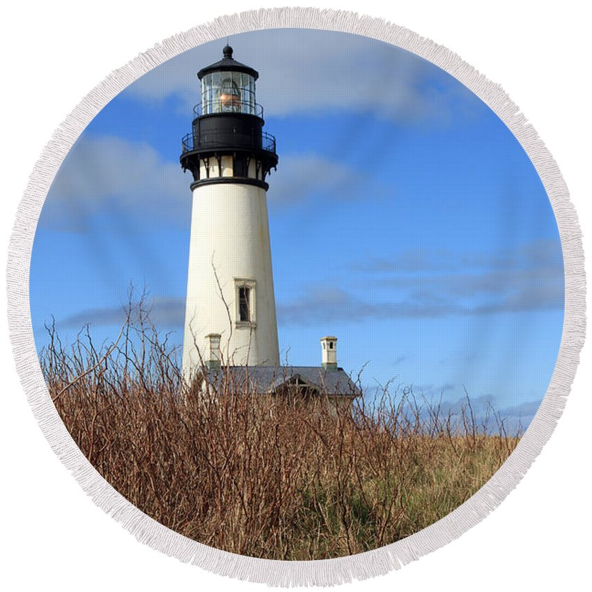 Yaquina Bay Lighthouse Round Beach Towel featuring the photograph Yaquina Bay Lighthouse by Athena Mckinzie