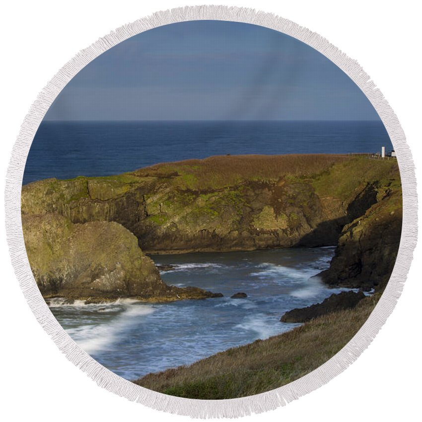 America Round Beach Towel featuring the photograph Yaquina Head Light by Brian Jannsen