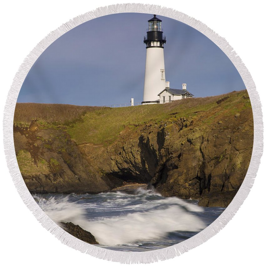 America Round Beach Towel featuring the photograph Yaquina Head Lighthouse by Brian Jannsen