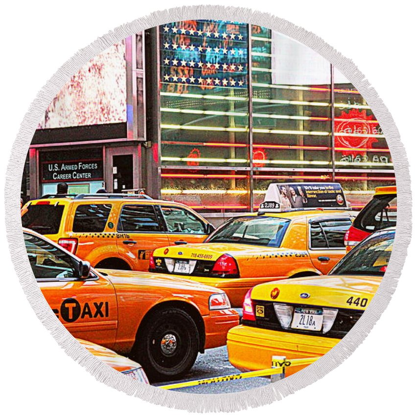 Taxi Round Beach Towel featuring the photograph Yellow Cabs by Valentino Visentini