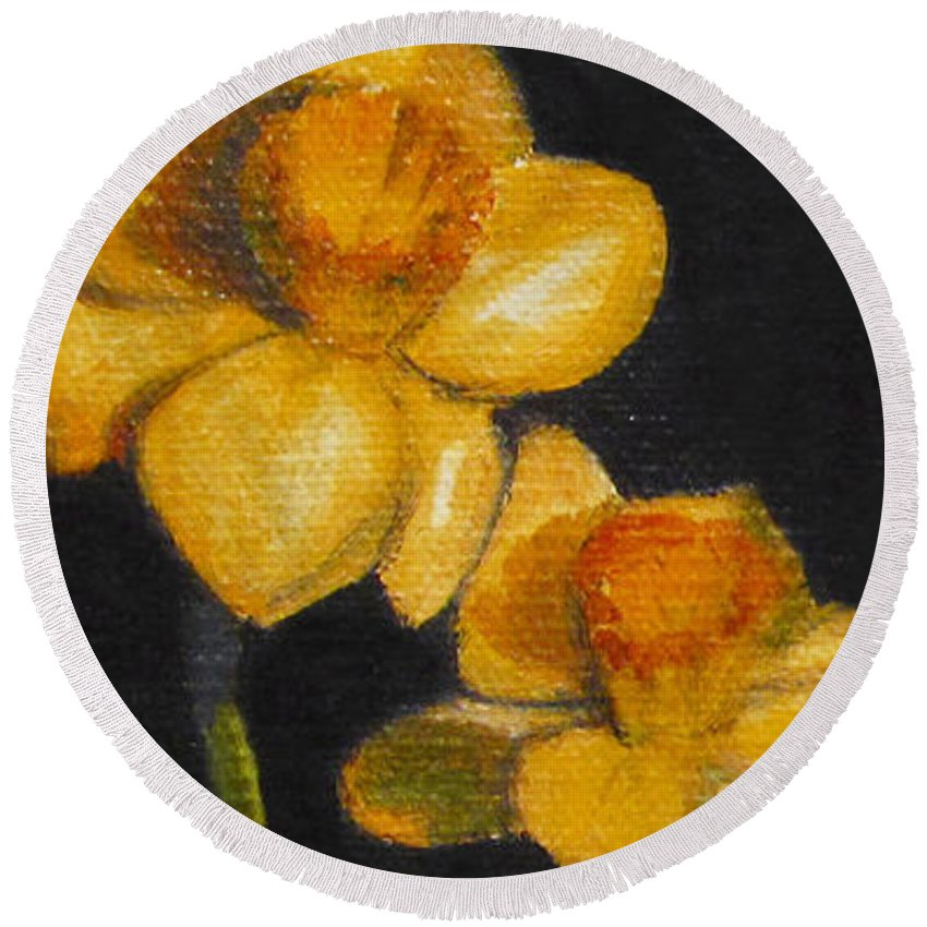 Still Life Round Beach Towel featuring the painting Yellow Daffodils by Sarah Parks