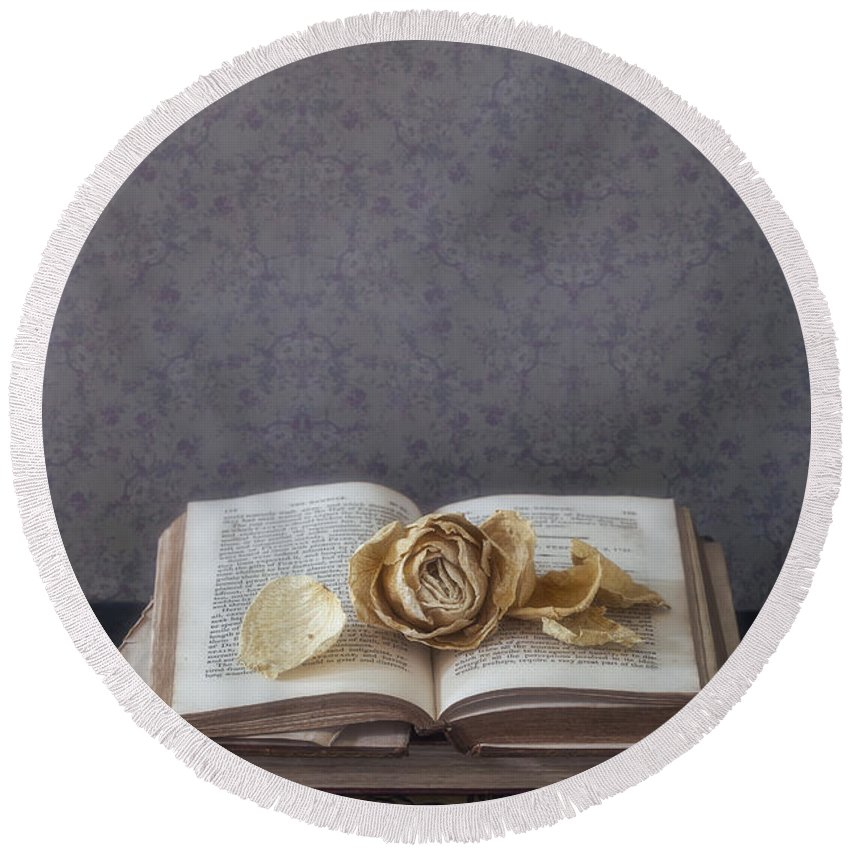Book Round Beach Towel featuring the photograph Yellow Rose by Joana Kruse