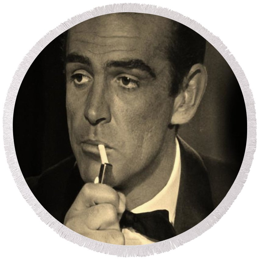 James Bond Round Beach Towel featuring the photograph 007 by Rob Hans