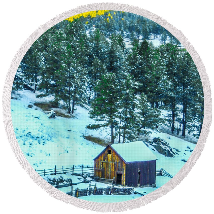 Colorado Round Beach Towel featuring the photograph Abandoned Barn Lll by Shannon Harrington
