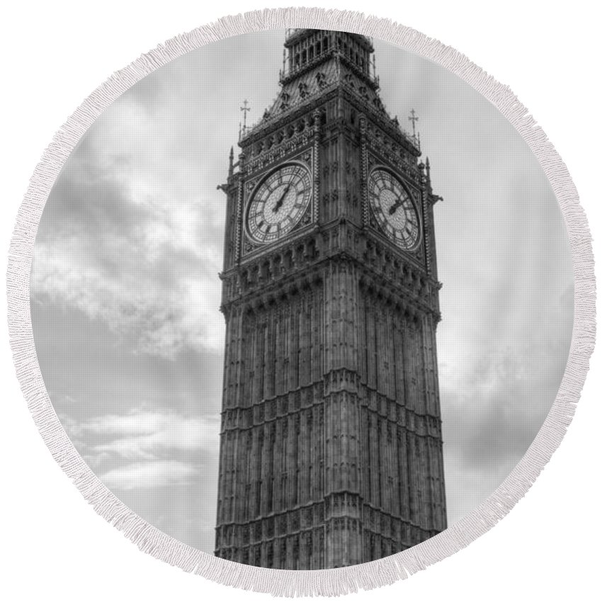 Big Ben Round Beach Towel featuring the photograph Big Ben by Chris Day