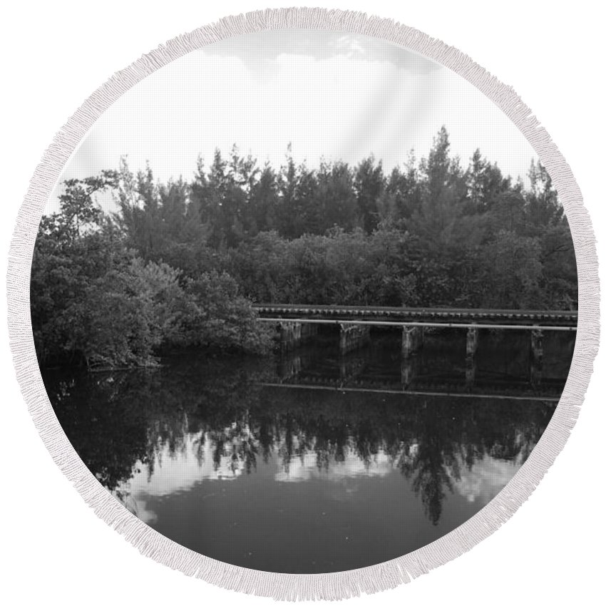 Black And White Round Beach Towel featuring the photograph Big Sky On The North Fork River In Black And White by Rob Hans