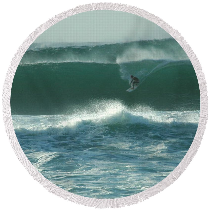 Hawaii Round Beach Towel featuring the photograph Big Surf by Mark Gilman