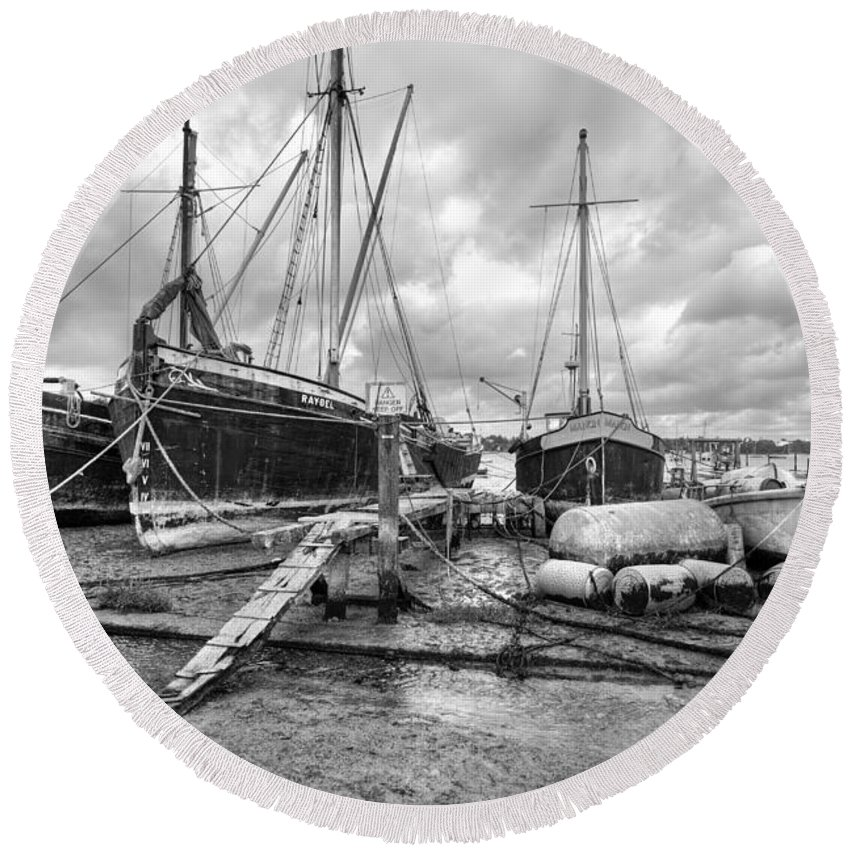 Pin Mill Round Beach Towel featuring the photograph Boats On The Hard Pin Mill by Gary Eason