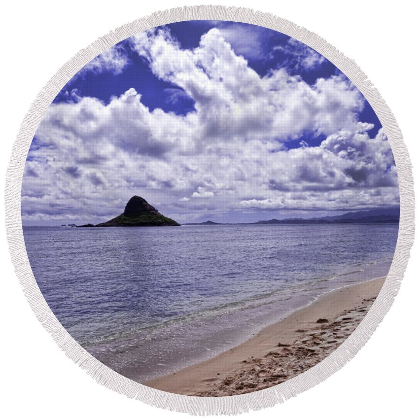 kualoa Regional Park Round Beach Towel featuring the photograph Chinaman S Hat From Kualoa by Dan McManus