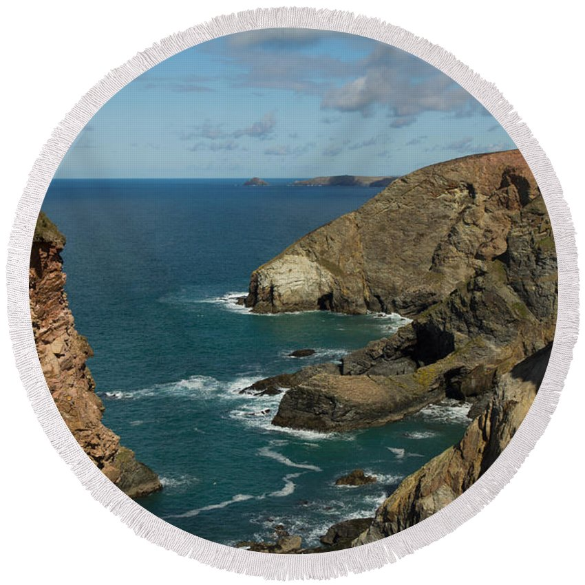 Cornish Seascape Round Beach Towel featuring the photograph Cornish Seascape St Agnes by Brian Roscorla