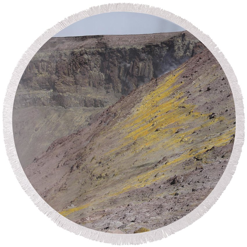 Nature Round Beach Towel featuring the photograph Degassing North Crater With Fumarolic by Richard Roscoe