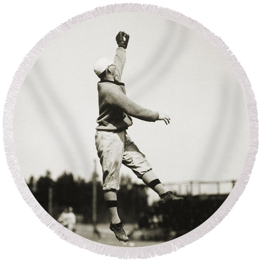 1910 Round Beach Towel featuring the photograph Eddie Grant (1883-1918) by Granger