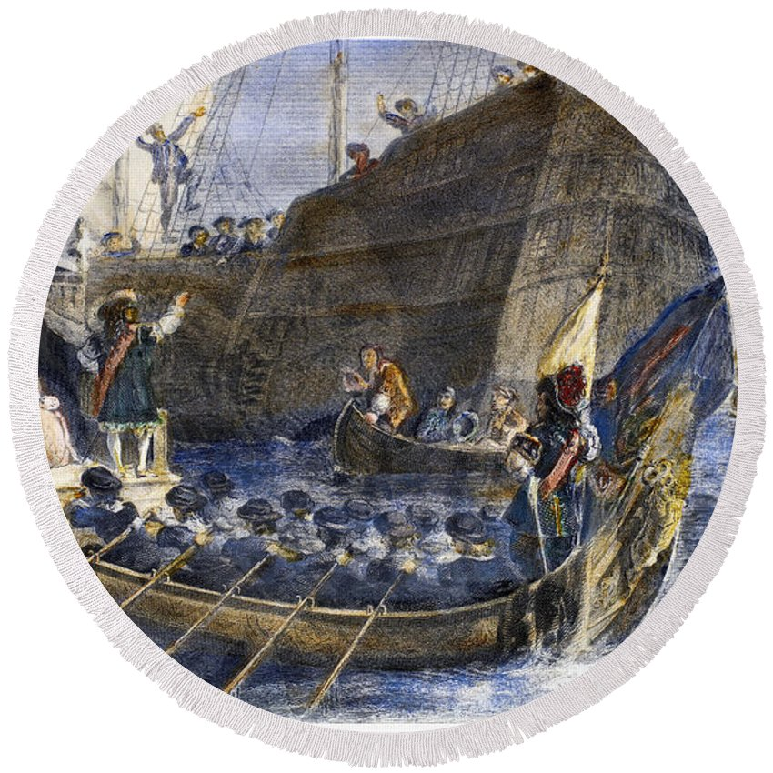 17th Century Round Beach Towel featuring the photograph England: Thames River by Granger