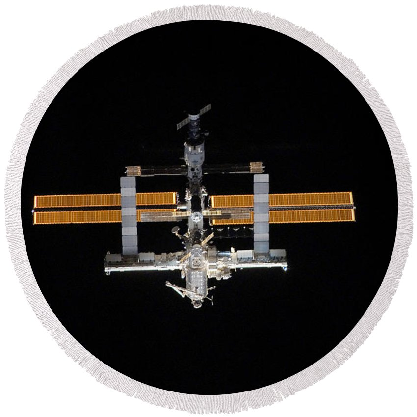 Horizontal Round Beach Towel featuring the photograph International Space Station by Stocktrek Images