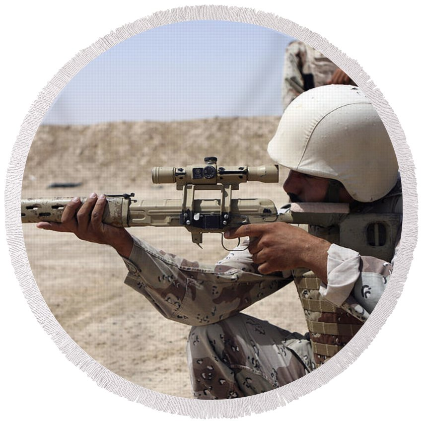 Adults Only Round Beach Towel featuring the photograph Iraqi Army Sergeant Sights by Stocktrek Images