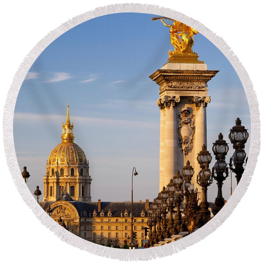 Pont Round Beach Towel featuring the photograph Les Invalides by Brian Jannsen