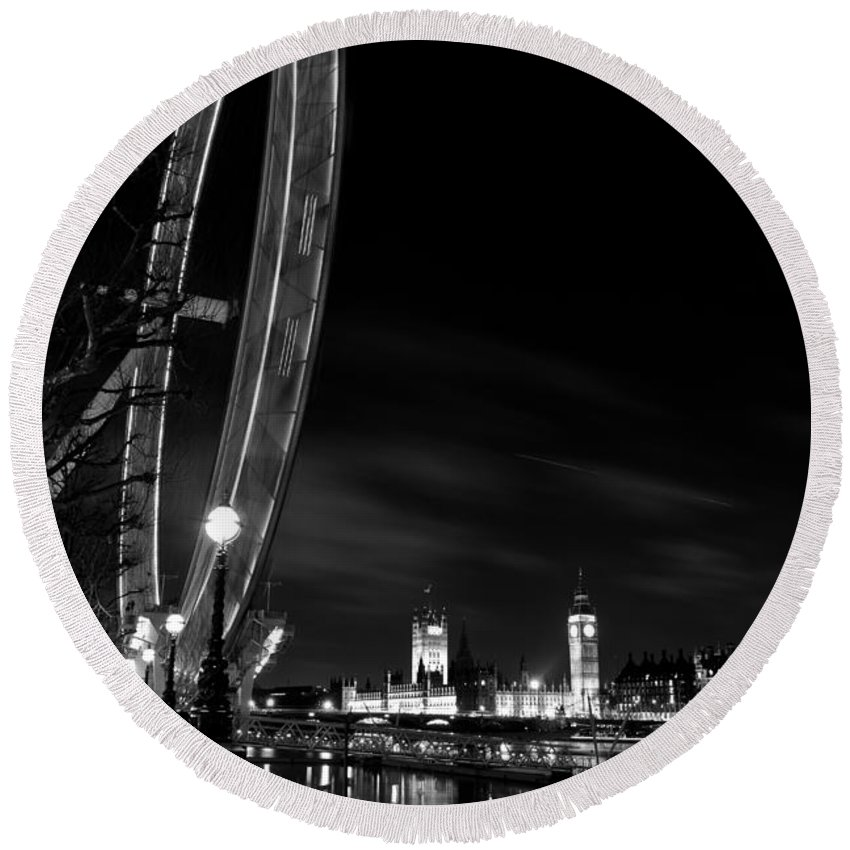 London Eye Round Beach Towel featuring the photograph London Eye And London View by David Pyatt